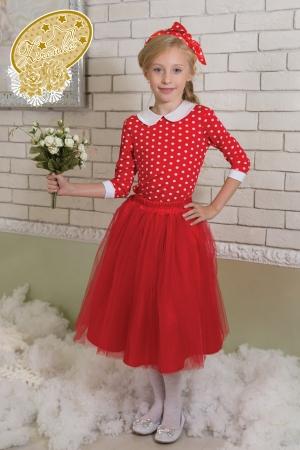 """Нарядный комплект """"Валентина"""" красного цвета.Комплект состоит из двух изделий:1. Трикотажная блузка в горох с белоснежным атласным воротничком и трикотажными манжетами ниже локтя. Для удобства и комфорта на спинке блузы разрез – «капелька», обработанная белой атласной бейкой, застегивается на 1 пуговицу.2. Юбка- полусолнце.Ткань основы - тафта. Вторая ткань юбки - сетка. Цвет сетки подобран по цвету тафты (красный или малиновый) соответственно. Для более насышенного цвета и пышноты - сетка на юбке в два слоя. Пояс юбки по спинке изделия прошит несколькими рядами резинки."""