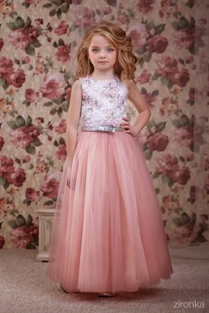 """Нарядное платье """"Люция"""" темно-розового цвета. Очень нежное платье для модниц! Оригинальное и красивое платье для любого торжества с оригинальным верхом и длинной пышной юбкой! Вверх платья из полиэстера, подкладка из хлопка, юбка из нескольких слоев, что придает пышность."""