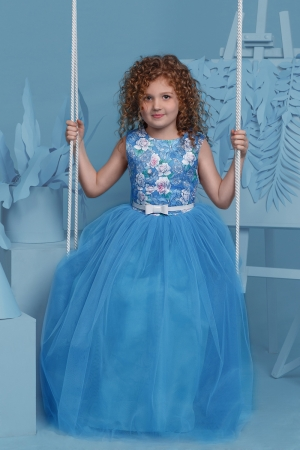 """Нарядное платье """"Триана"""" с пышной юбкой темно-лазурного цвета.Яркое платье для маленьких модниц! Оригинальное и красивое платье для любого торжества! Вверх платья с принтом """"цветы"""" из полиэстера, подкладка из хлопка, юбка из нескольких слоев, что придает пышность."""