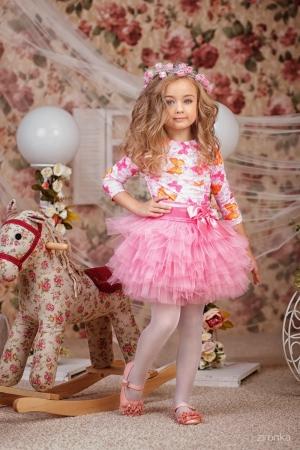 """Нарядный комплект """"Кокетка"""" с пышной юбкой розового цвета.Комплект состоит из блузки с принтом """"цветы"""" и пышной юбки. Красивый наряд на любой праздник, а также любое торжество! Ваша девочка будет самой яркой и красивой на празднике!"""