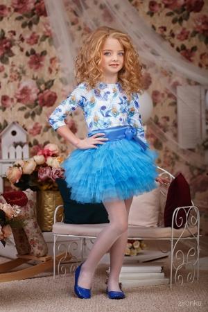 """Нарядный комплект """"Кокетка"""" с пышной юбкой голубого цвета.Комплект состоит из блузки с принтом """"цветы"""" и пышной юбки ярко-голубого цвета. Красивый наряд на любой праздник, а также любое торжество! Ваша девочка будет самой яркой и красивой на празднике!"""