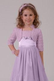 """Нарядное болеро-сиреневого цвета с длинным рукавом из розочек.Оригинальный жакет с розочками для маленьких модниц. Такое """"болеро"""" дополнит собою практически любое платье из нарядной коллекции платьев."""