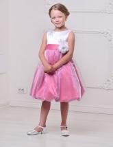 """Нарядное платье """"Флер"""" бело-розового цвета с цветком на поясе."""