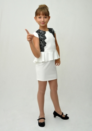 """Трикотажное платье с черным кружевом """"Софья"""" молочного цвета.Элегантное платье для настоящих модниц.Платье идеально для любых случаев и торжеств."""