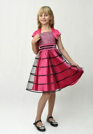 """Нарядное платье """"Беатриса"""" малинового цвета с болеро. Каждая девочка мечтает быть самой красивой на празднике, в таком платье ее мечты сбудутся! Это платье для настоящих модниц, его крой, расцветка порадуют всех вокруг. Корсет платья украшен выбитым кружевом, верхняя юбка из черного фатина с атласными полосами. Платье на молнии и широком поясе. Нарядное платье для девочек идеально для любых торжеств и праздников, впереди самый любимый всеми праздник Новый Год, поторопитесь, так как коллекция в ограниченном количестве."""