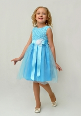 """Нарядное платье для малышек """"Розочки"""" ярко-голубого цвета."""