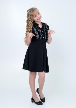 """Трикотажное нарядное платье """"Вера"""" черного цвета с кружевом. Элегантное платье для настоящих модниц. Платье идеально для любых случаев и торжеств. Если вы ищите школьное платье для девочки черного цвета, то это платье отличный вариант, оно и красивое, и удобное. В нем ваша девочка будет чувствовать себя комфортно и прекрасно."""