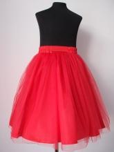 Пышная юбка для девочки красного цвета.