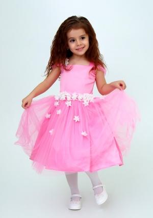 """Нарядное платье """"Лина"""" цвет розовый.Красивое платье, украшено цветочками, идеально подойдет на любой праздник или утренник в детском саду. Красивое платье с пышной юбкой для самых маленьких девочек. На спинке платье застегивается на молнию и завязывается на бант."""