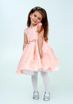"""Нарядное платье """"Ия"""" цвет персиковый. Детское платье, идеально на любой праздник или утренник в детском саду для вашей малышки. Красивое платье с пышной юбкой для самых маленьких девочек. Красивое и модное платье из оригинальной ткани с нежным рисунком, украшено бантиком на талии. На спинке платье застегивается на молнию и завязывается на бант."""