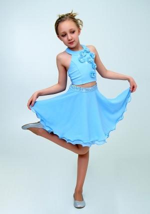 """Нарядный комплект """"Лилиана"""" цвет голубой. Красивый и нарядный комплект для настоящих модниц и красавиц. Вверх топа украшен цветочками. Отличный вариант на любой праздник или торжество. Прекрасный наряд на выпускной."""