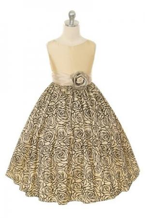 """Нарядное платье """"Изольда"""" кремового цвета с цветком поясе.Красивое платье с красивым рисунком на юбке из бархата,идеально для праздника или вечеринки! Очень красивое платье, сзади платье застегивается на молнию и красивый бант.К данному платью можно подобрать перчатки, модную сумочку или другие аксессуары."""