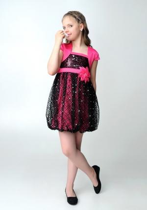 """Нарядное платье """"Кристи"""" малиново-черного цвета с болеро.Лиф платья украшен паетками, юбка из гипюра, пышная в форме балона. Объем изделия регулируется на спине вшитой резинкой. Платье украшают цветок на талии и атласный пояс. Красивый наряд для настоящих модниц."""