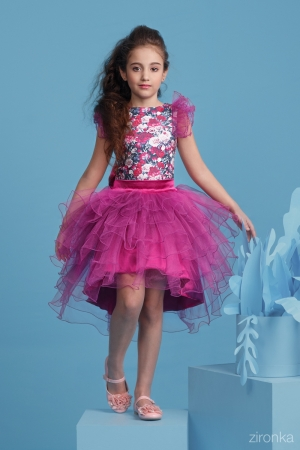 """Нарядный комплект """"Даниэла"""" с пышной юбкой цвета фуксии. Комплект состоит из блузки с принтом """"цветы"""" и пышной юбкой цвета фуксии. Красивый наряд на весенний праздник, а также любое торжество! Ваша девочка будет самой яркой и красивой на празднике! Впереди выпускной в детском саду и в школе, такой наряд будет отличным вариантом на празднике."""