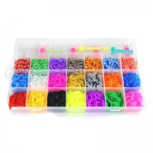 Набор резинок в прямоугольной упаковке. Большой набор 5800 шт разноцветных резинок из 21 цвета. В набор входит: 1 станок, 1 рогатка, 2 крючка, 45 S-клипс, 10 бусин. Данный набор резинок для плетения будет лучшим подарком для вашего ребенка. С помощью набора резинок для плетения, ваш ребенок сможет самостоятельно сплести браслеты, кольца, подвески, различные игруки и т.д.
