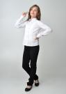 Детская блузка белого цвета с длинным рукавом и манишкой.