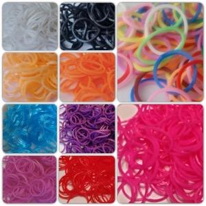 Резиночки для плетения разноцветные 600 шт. В набор входит: резиночки 600 шт, 1 крючок и 10 S-клипс.
