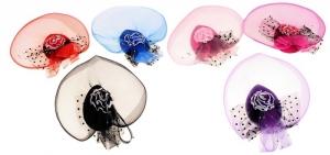 """Элегантная шляпка и вуалетка """"Кораллы"""".Шляпка-заколка прекрасное дополнение к любому наряду для вашей красотки, а также для молодых мамочек. Шляпка-вуалетка на заколках, поэтому хорошо держится на голове. Оригинальный аксессуар на голову."""