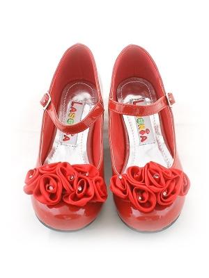 Нарядные туфли красного цвета c атласными розочками.Яркие туфли для самых маленьких модниц. Ваша малышка будет самой красивой в таких туфлях.