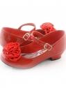 Нарядные туфли красного цвета c атласными розочками.