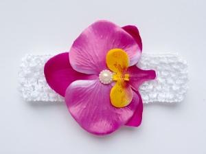 Фиолетовая орхидея на повязке в сеточку. Сердцевинка цветка украшена жемчужиной. Повязка для малышек и девочек.Повязка в сеточку хорошо тянется, цветок приклеен.