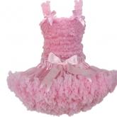 Комплект с пышной юбочкой Pettiskirt и топом с рюшами розового цвета.