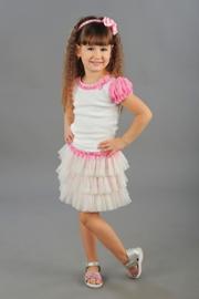 """Нарядная блузка молочно-розового цвета с коротким рукавом """"фонарик"""".Симпатичный рукавчик, нежные оборочки и красивый бантик, очень украшают блузку. Прекрасное дополнение с пышной юбочке."""