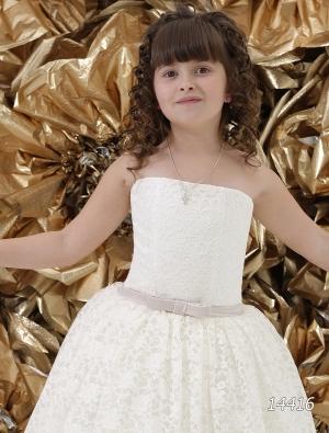 """Нарядное платье """"Оксана"""" с кружевом и пышной юбкой.Нарядное платье, очень нежное за счет кружева. Платье корсетное, регулируется в объеме."""