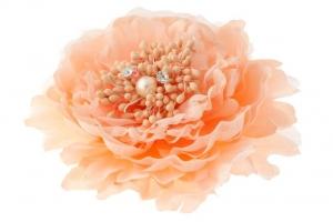 """Брошь-заколка """"Пион"""" персикового цвета.Очень красивый и пышный цветок с сердцевиной. Сам цветок на заколке и булавке, что очень удобно, можно носить на голове, а можно и на шапочке и повязке, а так же украсить любой наряд.Диаметр цветка 13 см."""