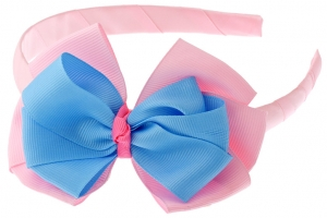 Ярко-розовый ободок с голубо-розовым бантиком.Ободок на голову с красивым бантиком - это прекрасное дополнение к любому наряду для вашей малышке. Сам ободок очень упругий, удобно носить на голове.