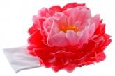 Большой розово-малиновый пион с сердцевинкой на повязке.