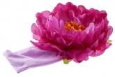 Большой фиолетовый пион с сердцевинкой на повязке.