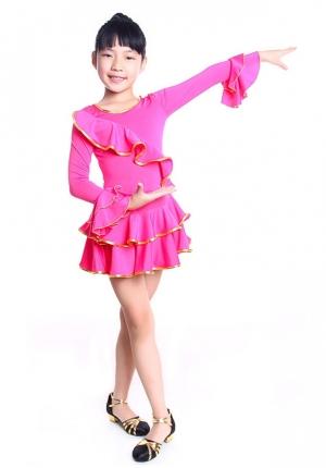 """Платье для танцев """"Кармелита"""" малинового цветас золотистой окантовкой. Это яркое платье для танцев подходит для занятий танцами, а также зажигательных латинских танцев и других танцев. Рейтинговое платье для девочек."""