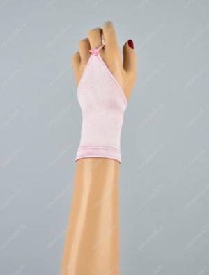 Короткие детские атласные перчатки-митенки.Атласные перчатки для девочек. Данные перчатки дополнят любой наряд, пышное и нарядное платье.