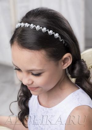 """Ободок для волос """"Ажур"""".Нежный ажурный ободок, декорирован жемчужинками и стразами для маленьких принцесс. Неповторимость украшению придает волнообразная ажурная форма."""