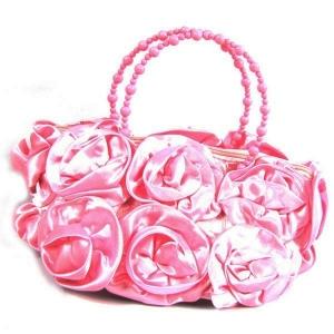 Модная сумочка с атласными розочками. Оригинальная сумочка для настоящих модниц! Прекрасный аксессуар, дополнение к любому наряду.