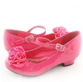 Нарядные туфли малинового цвета c атласными розочками.