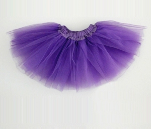 Юбка-туту очень красивого фиолетового цвета. Очень пышная юбочка для девочек. Юбку туту можно одевать на занятия танцами сверху гимнастического купальника, также можно носить отдельно. Данная пышная юбочка идеальна на праздники, выступления и фотосессий! А также эта юбочка подойдет и для самых маленьких девочек. Резинка на талии хорошо тянется, сама юбка воздушная и мягкая.Юбка из трех-слоев фатина.