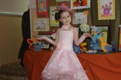 Фото нашей  маленькой покупательницы из ХМАО. Выпускной в детском саду.