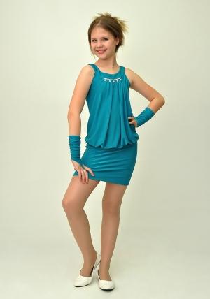 """Элегантное платье с перчатками """"Николетта"""" цвета морской волны.Красивое платье с украшением, короткой юбкой и гипюрной вставкой на спине. Оригинальный платье для настоящих модниц. Идеальный наряд для любого праздника."""