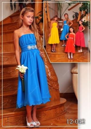 """Нарядное платье в греческом стиле """"Герда"""" с завышенной талией, которая подчеркивается поясом, расшитым бисером и стразами. Лиф платья регулируется в объеме, потому что корсетного типа, лиф платья можно затянуть или расслабить. Платье красивое и элегантное для настоящей леди!"""