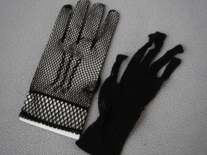 Перчатки в сеточку черного цвета. Перчатки для девочек и девушек.Размер 3: для девочек от 10 лет и старше.