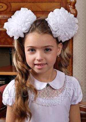 """Школьный бант белого цвета на резинке """"Лилия"""".Красивый аксессуар для волос."""