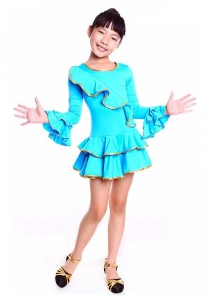 """Платье для танцев """"Кармелита"""" черного цвета.с золотистой окантовкой. Это яркое платье для танцев подходит для занятий танцами, а также зажигательных латинских танцев и других танцев. Рейтинговое платье для девочек."""