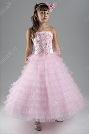 """Нарядное платье """"Ждана"""" с расшитым корсетом.Очень красивое платье с расшитым корсетом и оригинальной юбкой. Корсет платья на молнии со шнуровкой, за счет чего регулируется в объеме. Это платье подходит для всех праздников, ваша девочка будет выглядеть в нем прекрасно!"""